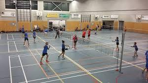 Eerste badmintontoernooi voor basisscholen